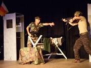 Bild: Tiyatro Istasyon, Szene aus SINIR/Die Grenze